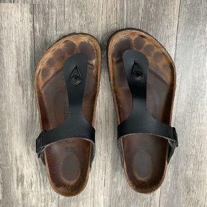 Black leather gizeh Birkenstock sandals